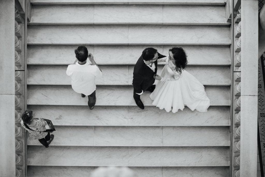 Młoda Para na schodach