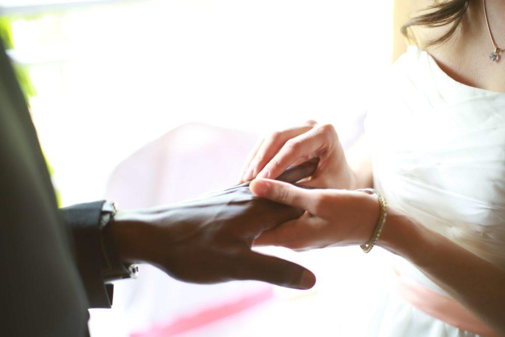 ślub z obcokrajowcem, international wedding, obrączki, przysięga