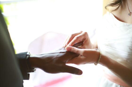 7 rzeczy, które musisz wiedzieć, biorąc ślub z obcokrajowcem