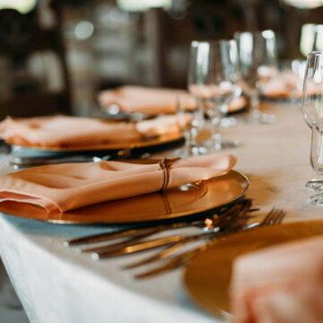 Jak usadzić gości przy stołach?