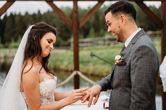 5 rzeczy, które musisz wziąć pod uwagę, planując ślub w plenerze